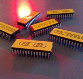 Caratteristiche e differenze tra PROM, EPROM, EEPROM e Flash ROM in informatica