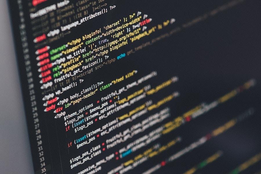 Differenze e vantaggi tra programmazione procedurale e ad oggetti in informatica
